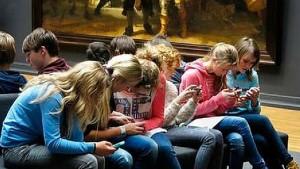 Curso de redes sociales par adolescentes, escuela de padres y docentes sobre el uso de redes sociales